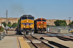 Drag Race (Official$uchainzTV) Tags: unionpacific buildingamerica bnsf bnsfrailway burlingtonnorthernsantafe victorvilleca up6485 bnsf5266 kg1la15 ac4400cw ac44cw geac44cw geac4400cw dash944cw dash9 c449w gec449w railfanatlas widecab widecabs intermodal gelocomotive gelocomotives generalelectric ge