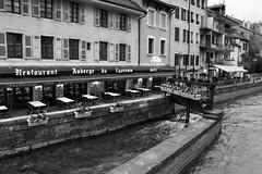 Annecy (Roger Gazineu) Tags: street city bw blackandwhite pretoebranco preto branco