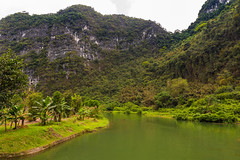 TAM_5013 (T.N Photo) Tags: nikon nikond750 d750 travel landscape river mountains boats skullisland trangan quangbinh northvietnam vn vietnam 2470mm lightroom sky cave travelphotoghapher