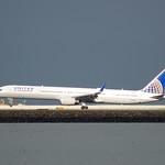United Airlines Boeing 757 -300 N74856 landing at SFO, port profile DSC_0855 thumbnail