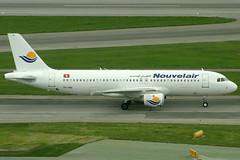 Nouvelair Airbus 320-212 TS-IND (c/n 0348) Non standard white livery. (Manfred Saitz) Tags: vienna airport schwechat vie loww flughafen wien nouvelair airbus 320 a320 tsind tsreg