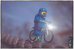 Geronimo! (Priovit70) Tags: lego minifigure bycicle benny classicspace flare rope cremona cremonabricks cremonatoysafari2018 olympuspenepl7