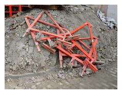 Chantier (' m x b c h r) Tags: chantier rouge métal
