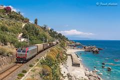 652_166 + merci a  Letojanni  10 maggio 2018 (Frank Andiver - Trains, transports and more...) Tags: sicilia tigre mercitalia letojanni treno merci cargo freight freighttrain 652 italia train