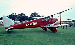 G-AEDU   De Havilland DH.90 Dragonfly [7526] Old Warden~G 11/07/1982 (raybarber2) Tags: 7526 airportdata approachtodo biplane cn7526 egth flickr gaedu slide twinprop ukcivil