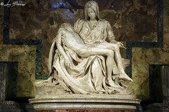 Pietà Vaticana (Luca Bobbiesi) Tags: vaticano basilica basilicadisanpietro pietà michelangelo statua statue art marmo canoneos5dmarkiv canonef24105mmf4lisusm