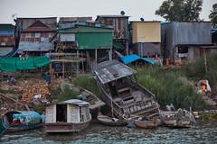 AreyKsat Village (Thomas Mulchi) Tags: 2018 cambodia phnompenh people persons river riverbank areyksatvillage mekong mekongriver boats kandalprovince kh