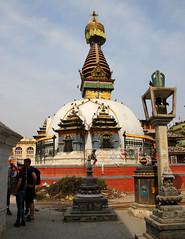 2018-04-08 (Giåm) Tags: kathmandu kathmandou katmandou katmandu काठमाडौं kathesimbhu kathesimbhustupa stupa kathmanduvalley nepal नेपाल giåm guillaumebavière