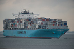 Maersk Gibraltar_DVL2071 (larry_antwerp) Tags: maersk maerskgibraltar 9739692 zeeland container schip ship vessel 船 船舶 אונייה जलयान 선박 کشتی سفينة schelde 斯海尔德河 スヘルデ川 스헬더 강 رود شلده سخيلده baalhoek nederland netherlands