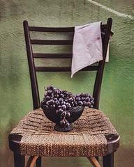 Riposo. (fiorsa) Tags: stilllife fruits uva foodphotography food