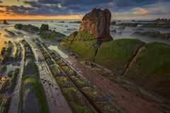 Atardecer en Barrika - Sunlight Barrika (teredura58) Tags: barrika costa coast rocks green verdes atardecer sunlight