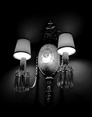 Byrd Sconce (pjpink) Tags: blackandwhite bw monochrome byrd byrdtheatre vintage landmarkmoviepalace carytown rva richmond virginia february 2018 winter pjpink 2catswithcameras lighting