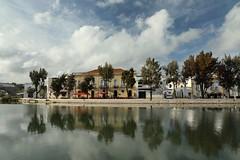 Tavira (Txaro Franco) Tags: algarve tavira portugal ibaia river río riverside nubes reflejo reflejos reflection nwn