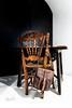 Silueta y mochila (marianobs) Tags: silla mochila silueta nikon 2470mm sombras contraste cuero madera
