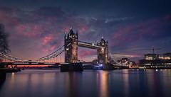 Tower Bridge. Sunrise. (Massetti Fabrizio) Tags: sunrise sun sunlight sunset light london londra river towerbridge bridge red rosso nikond3 carlzeiss21mmf28 cityscape