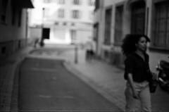 reste en suspens (Rachelnazou) Tags: caffenol blackwhite minolta film fomapan analog argentique