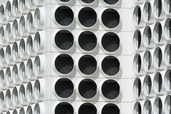 Ravel Residence (Jan van der Wolf) Tags: map171307v facade gevel architecture architectuur amsterdam circle cirkel windows ramen round herhaling repetition patroon pattern ravel ravelresidence