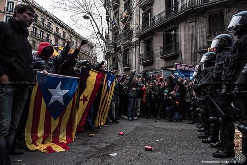 2018_03_25 Concentració per l'empresonament de Carles Puigdemont_AntonioLitov(03)