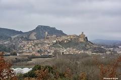 Frias. (Howard P. Kepa) Tags: castillaleon burgos frias pueblo monte castillo iglesia humiòn