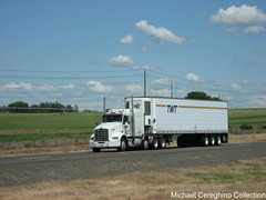 TWT Kenworth T800 Heavy Haul division (Michael Cereghino (Avsfan118)) Tags: twt refrigerated kenworth t800 t 800 kw sleeper heavy haul 4 axle quad reefer trailer trucking semi