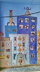 530 Paris en Février 2018 - rue Piat, rue du Père Julien Dhuit (paspog) Tags: paris france tags graffitis fresque fresques mural murals février februar february 2018 ruepiat ruedupèrejuliendhuit