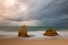 Solas ante el peligro (Emilio Rico Uhia) Tags: prosadas20181º vacaciones2018 algarve albufeira portugal europa rocas arena playas sedas mar blancos nubes cielos emilioricouhia nikon d7200 nd64 tripode