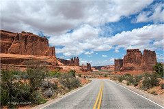 Arches National Park (Sandra Lipproß) Tags: archesnationalpark usa unitedstatesofamerica utah outdoor nature road redrockcountry sky clouds