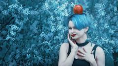 *** (zeldabylinovitch) Tags: frost wald märchen mädchen fairytale portrait outdoorportrait mood apple color blossom
