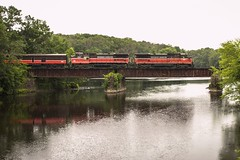 Crossing the Shetucket (JaiJad) Tags: taftville ct train norwich providenceandworcester pw4005 b408w ge passenger