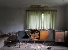 Schöner Wohnen (david_drei) Tags: abandoned decay lostplace lost drei sideboard