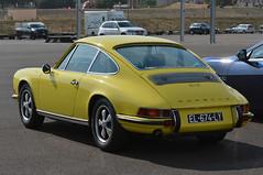 Porsche 911 E (jfhweb) Tags: jeffweb sportauto sportcar voituregrandtourisme gt supercar voituredesport voituredecollection voiturehistorique vehiculehistorique circuitpaulricard circuitducastellet lecastellet httt 10000toursducastellet 10000tours porsche 911