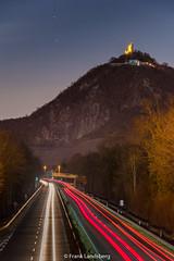 Leuchtspuren und Drachenfels (frank_landsberg) Tags: 2018 nacht siebengebirge bad honnef b42 drachenfels