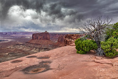 Afternoon Storm (Kirk Lougheed) Tags: canyonlands canyonlandsnationalpark coloradoplateau holemanspringcanyonoverlook islandinthesky steermesa usa unitedstates utah landscape nationalpark outdoor park