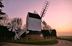 Cromer mill, Ardeley (Westhamwolf) Tags: cromer mill windmill ardeley stevenage hertfordshire england sunset countryside