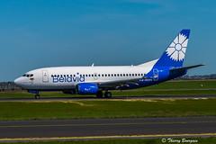 [CDG] Belavia Boeing 737-500 _ EW-252PA (thibou1) Tags: thierrybourgain cdg lfpg spotting aircraft airplane nikon d810 tamron sigma boeing boeing737 b737500 b735 ew252pa taxiing belavia newlivery