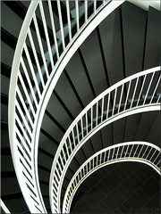 curves (Bernergieu) Tags: switzerland stgallen stairs lookingdown treppenhaus treppe uniongebäude curves lines kurven geometrie geometric