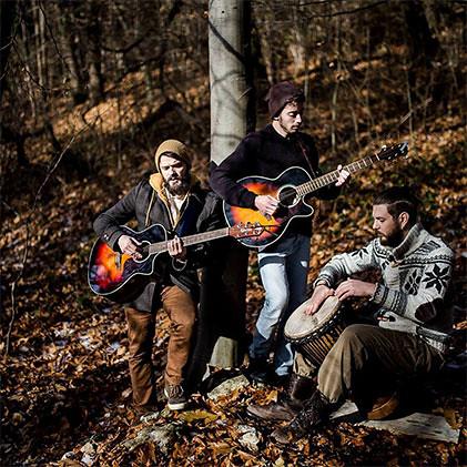 Bardique 🎼 #folk 📷 ] ; ) ::\☮/>> http://www.elettrisonanti.net/galleria-fotografica  #indie #folk #rock #popolare #cantautore 🎥#elettritv💻📲 #live #sottosuolo #music #dalvivo 🙌 #underground #b