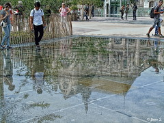 Jeu d'eau (Jean S..) Tags: reflection people water church streetphotography paris france steustache