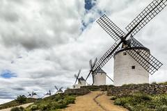 Consuegra, Castilla la Mancha (kike.matas) Tags: canon canoneos6d canonef1635f28liiusm kikematas consuegra castillalamancha españa molinos cielo nubes nublado viento paisaje lightroom6