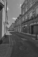 A l'ombre de la rue Marcel Palmier (Tonton Gilles) Tags: alençon normandie hdr rue marcel palmier noir et blanc ombres paysage urbain