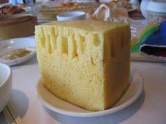Anglų lietuvių žodynas. Žodis sponge-cake reiškia n biskvitas lietuviškai.