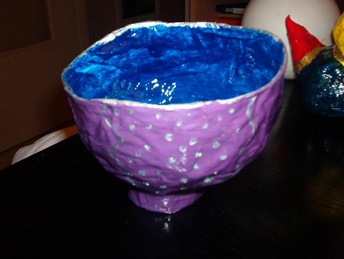 papier mache bowls. bol en papier mâché