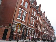 Draycott Place at Cadogan Gardens, SW3 (djwhelan) Tags: london cadogangardens