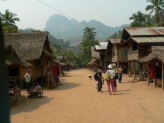 Mekong River village in Laos (John of Dallas) Tags: laos mekongriver luangphrabang