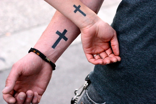 hand cross tattoos design