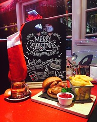 🎄🎅❄️Our Christmas Burger and Hot Cider available all month >>>> Turkey, Stuffing, Pigs in Blankets, Cranberry Sauce and Rosemary Wedges. Perfectly Festive #xmas #christmas #burger #citycafe #edinburgh #royalmile #bar #turkey (The City Cafe Edinburgh) Tags: instagram city cafe edinburgh food diner eating bar drinking scotland citycafe