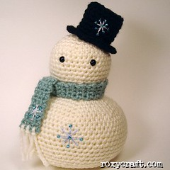 tubby snowman 1 (Roxycraft) Tags: amigurumi softies plush mos crochet handmade