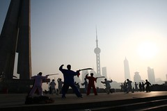 Sun Morning @ The Bund 06 -- Martial Arts City (Ya Ya) Tags: morning 350d shanghai 1855mm wushu swords taichi bund expd