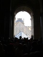 Paris - Fte de la musique Louvre (ZigsZags_) Tags: paris louvre fetedelamusique pyramide pyramidedulouvre