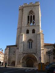 S. Miguel con su alta torre calada
